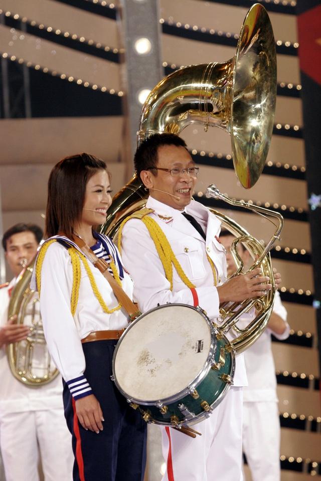 MC Hoàng Linh khoe ảnh cùng nhà báo Lại Văn Sâm cách đây 15 năm - Ảnh 6.