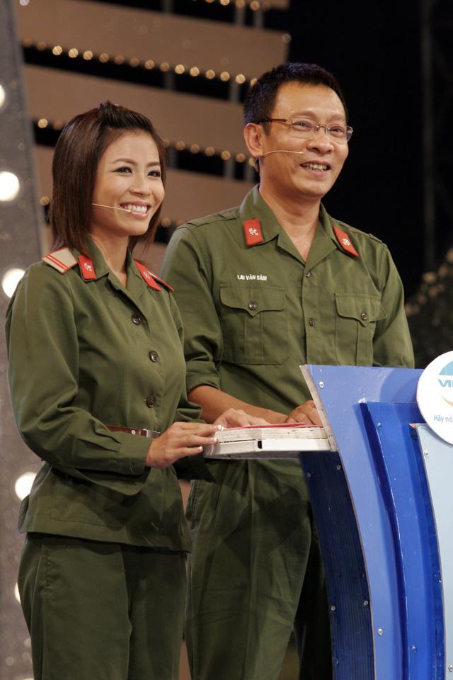 MC Hoàng Linh khoe ảnh cùng nhà báo Lại Văn Sâm cách đây 15 năm - Ảnh 5.