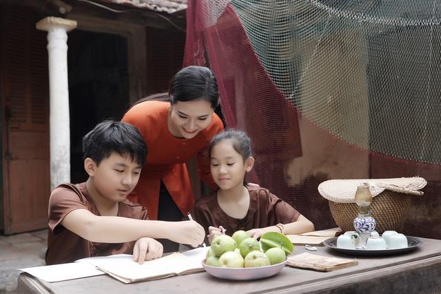 """Sao mai Lương Nguyệt Anh đưa """"chàng trai đặc biệt"""" vào MV dịp 8/3 - Ảnh 12."""