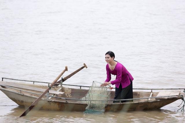 """Sao mai Lương Nguyệt Anh đưa """"chàng trai đặc biệt"""" vào MV dịp 8/3 - Ảnh 5."""