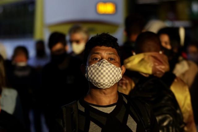 Hơn 115 triệu người mắc COVID-19 trên thế giới, nhiều nước ĐNÁ ghi nhận ca nhiễm biến thể mới - Ảnh 1.