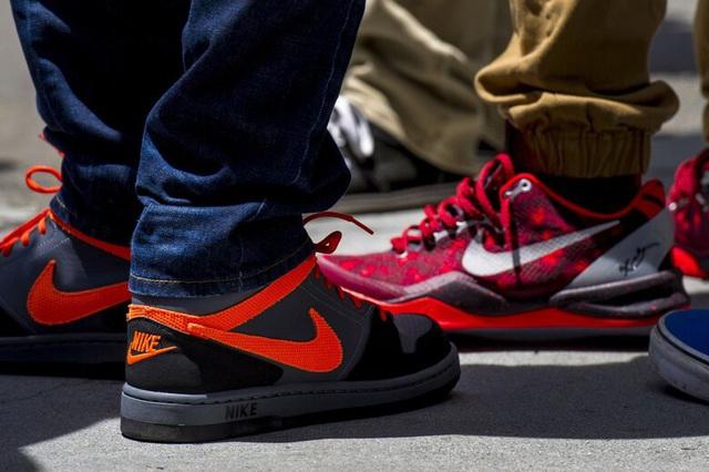 Phó Chủ tịch Nike từ chức sau nghi vấn tuồn hàng cho con trai bán kiếm lời - ảnh 1