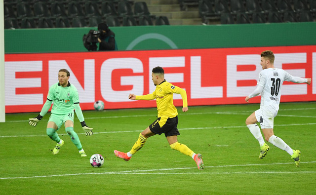 Thắng tối thiểu, Dortmund vào bán kết Cúp Quốc gia Đức - Ảnh 1.