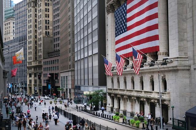 Kinh tế Mỹ hậu COVID-19: Nhà đầu tư phố Wall nên đổ tiền vào đâu? - Ảnh 1.
