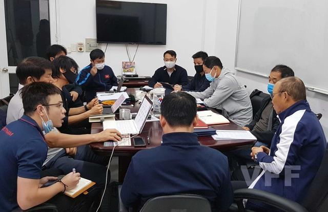 HLV Park Hang-seo và các cộng sự trở lại công việc, chuẩn bị cho các mục tiêu trọng điểm trong năm 2021 - Ảnh 1.