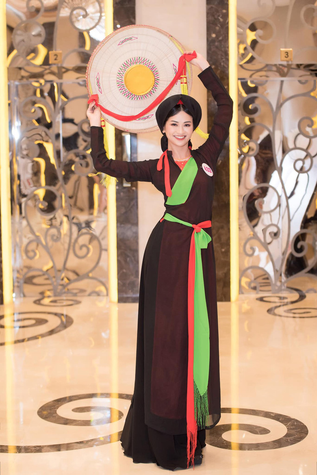 Top 5 Miss World Vietnam làm MC trên VTV - Ảnh 8.