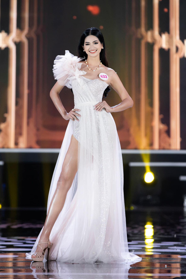 Top 5 Miss World Vietnam làm MC trên VTV - Ảnh 9.