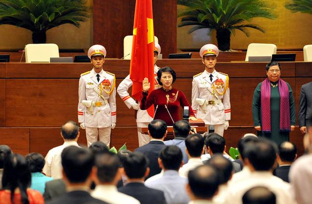 Quốc hội phê chuẩn việc miễn nhiệm Chủ tịch Quốc hội Nguyễn Thị Kim Ngân - Ảnh 2.