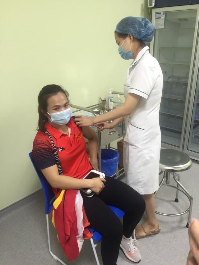 Thạch Kim Tuấn, Vũ Thành An, Nguyễn Tiến Minh… tiêm Vaccine Covid-19 - Ảnh 5.