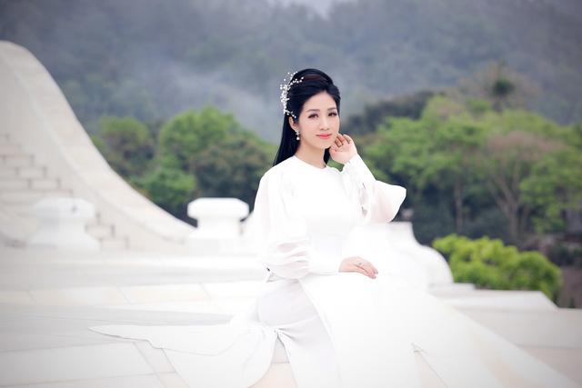 """MV nhạc Phật của Phương Nga Sao Mai """"chạm tim"""" khán giả - Ảnh 1."""