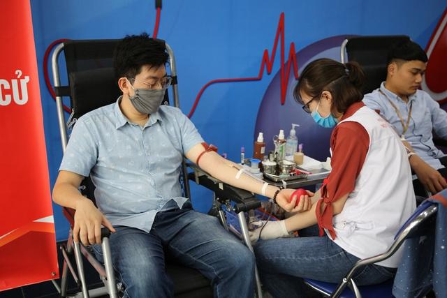 Cán bộ, nhân viên Đài THVN hào hứng tham gia hiến máu nhân đạo - Ảnh 6.