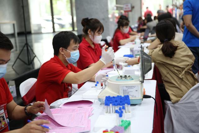 Cán bộ, nhân viên Đài THVN hào hứng tham gia hiến máu nhân đạo - Ảnh 7.