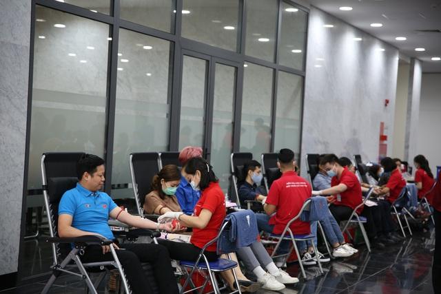 Cán bộ, nhân viên Đài THVN hào hứng tham gia hiến máu nhân đạo - Ảnh 3.