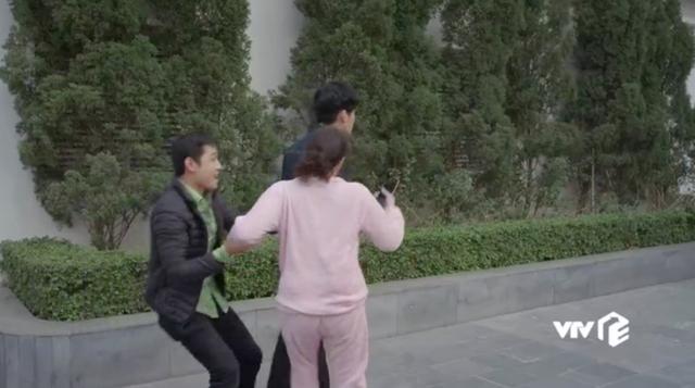 Hướng dương ngược nắng - Tập 47: Mang tiếng tham phú phụ bần, Minh khóc tức tưởi khi bị cả mẹ và em trai từ mặt - Ảnh 29.