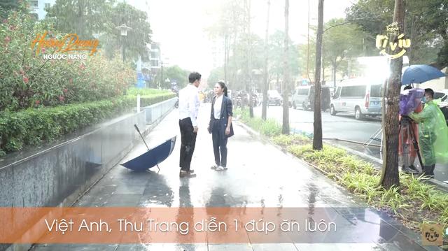 Hậu trường Hướng dương ngược nắng: Diễn trong màn mưa nhân tạo, Lương Thu Trang - Việt Anh không vấp một từ - Ảnh 6.