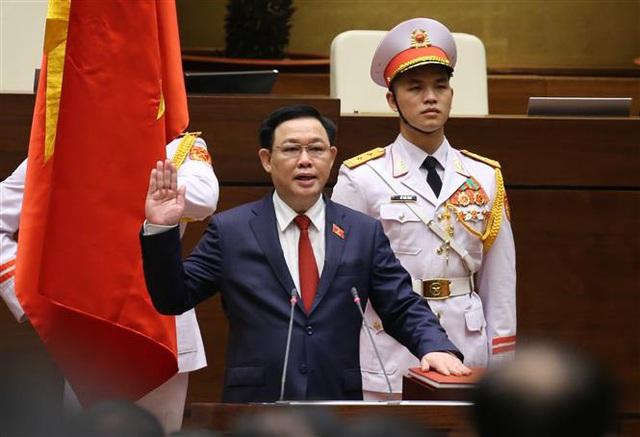 VIDEO: Tân Chủ tịch Quốc hội Vương Đình Huệ tuyên thệ nhậm chức - Ảnh 1.