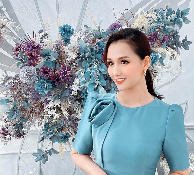 Lã Thanh Huyền đẹp hút hồn với gu thời trang cực sang chảnh - Ảnh 5.