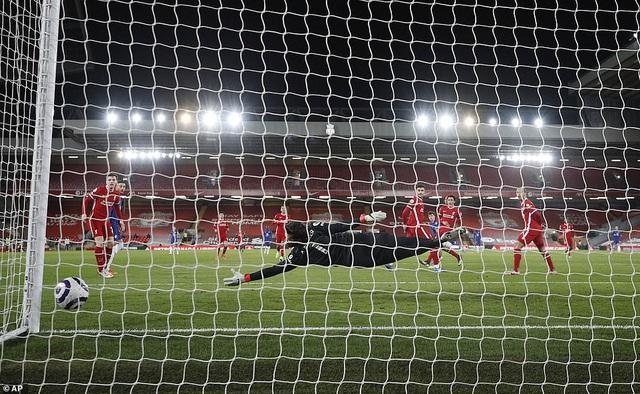 Liverpool 0-1 Chelsea: Thua trận thứ 5 liên tiếp trên sân nhà, The Kop rơi xuống vị trí thứ 7 - Ảnh 2.