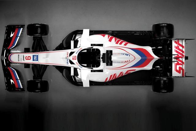 Đội đua Haas ra mắt xe cho mùa giải mới - Ảnh 1.