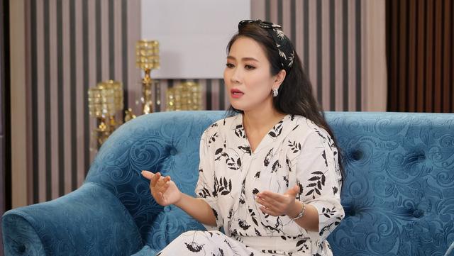 """NSƯT Vân Khánh nói về chuẩn mực đánh giá phụ nữ """"công, dung, ngôn, hạnh"""" ở thời 4.0 - Ảnh 1."""