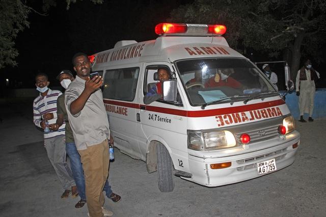 Đánh bom xe ở Somalia, ít nhất 20 người thiệt mạng - Ảnh 2.