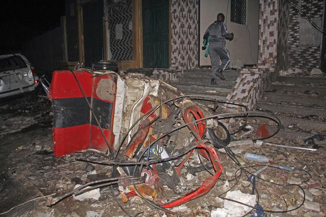 Đánh bom xe ở Somalia, ít nhất 20 người thiệt mạng - Ảnh 1.