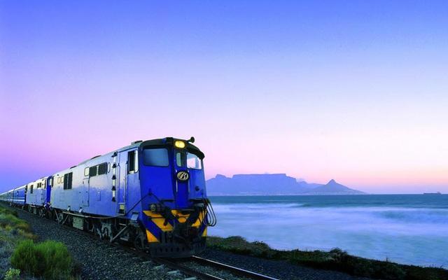 """Đoàn tàu màu xanh - trải nghiệm """"trốn dịch"""" cao cấp tại Nam Phi - Ảnh 1."""