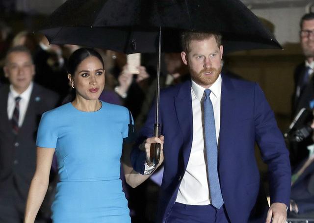 Hé lộ thông tin hiếm thấy trong cuộc phỏng vấn của vợ chồng Hoàng tử Anh Harry - Markle - Ảnh 1.