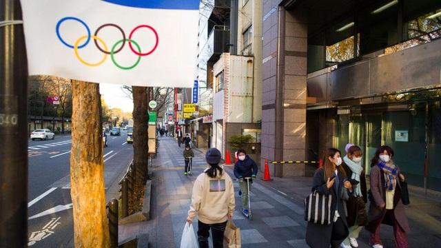 Olympics Tokyo cân nhắc cấm khán giả nước ngoài vì lo ngại COVID-19 - Ảnh 1.