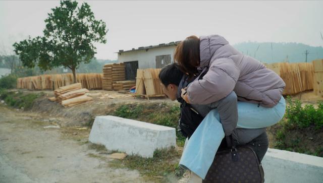 Hướng dương ngược nắng - Tập 48: Ơn giời, cuối cùng Châu cũng trở về góp 2% giúp Cao gia thắng thế? - Ảnh 6.