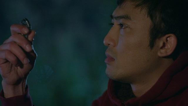 Hướng dương ngược nắng tập 52: Hoàng ôm Minh để tạm biệt đi xa, mượn cớ tỏ tình hay là vì điều khác? - ảnh 4
