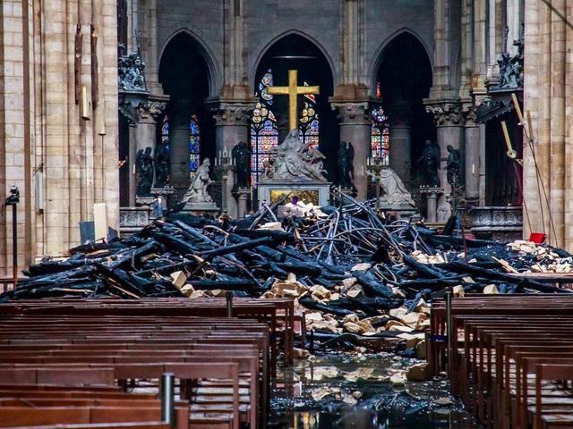 Việc xây dựng lại Nhà thờ Đức Bà có thể mất tới 20 năm - ảnh 1