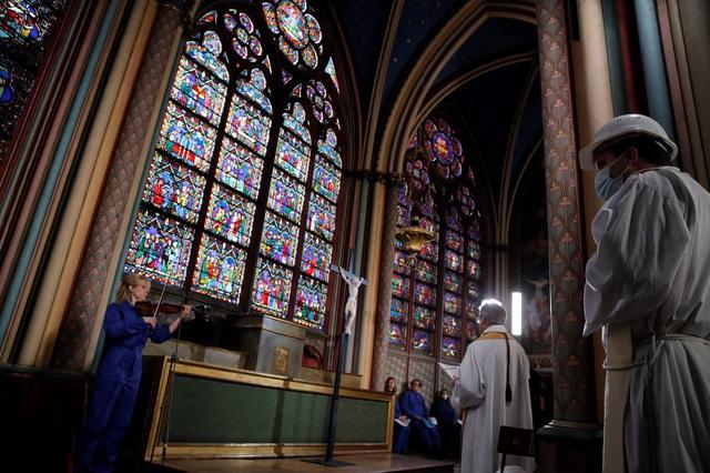 Việc xây dựng lại Nhà thờ Đức Bà có thể mất tới 20 năm - ảnh 2