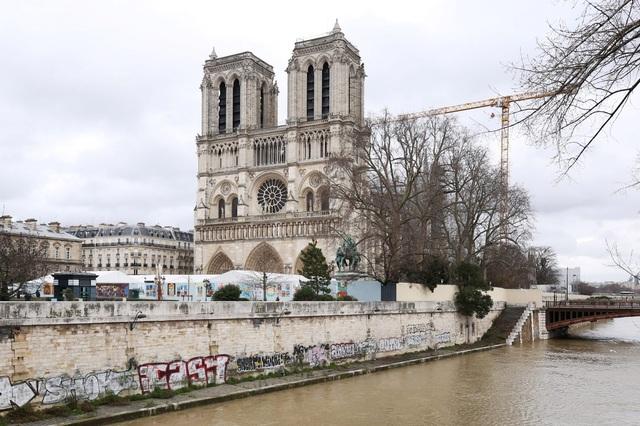 Việc xây dựng lại Nhà thờ Đức Bà có thể mất tới 20 năm - ảnh 4