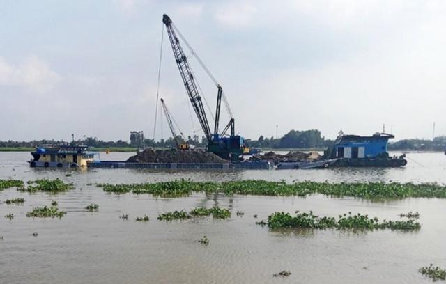 Gần 3.000 tỷ đồng tiền đấu giá mỏ cát trên sông Tiền và sông Hậu: Bình thường hay bất thường? - ảnh 1