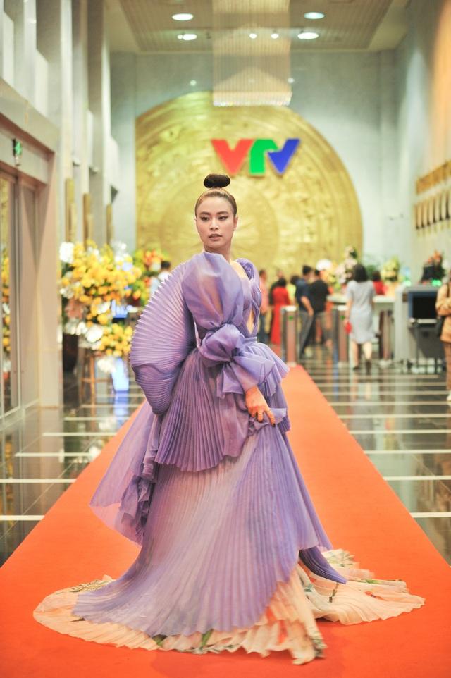Loạt sao hội tụ chúc mừng sinh nhật 25 tuổi VTV3 - Ảnh 1.