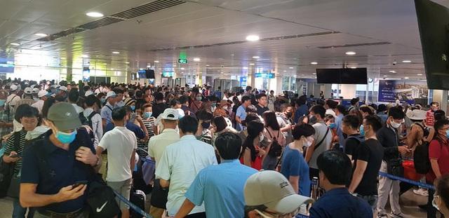 Bộ GTVT họp khẩn về ùn tắc tại sân bay Tân Sơn Nhất - ảnh 2