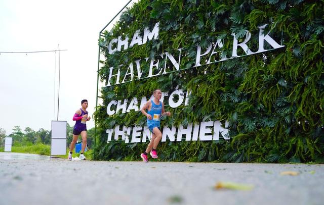 """Ecopark Marathon ấn tượng với """"cung đường chạy đẹp nhất Việt Nam"""" - Ảnh 4."""