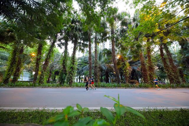 """Ecopark Marathon ấn tượng với """"cung đường chạy đẹp nhất Việt Nam"""" - Ảnh 8."""