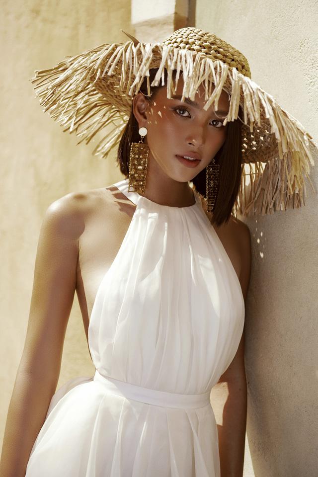 Hoa hậu Tiểu Vy khoe làn da rám nắng quyến rũ - ảnh 5