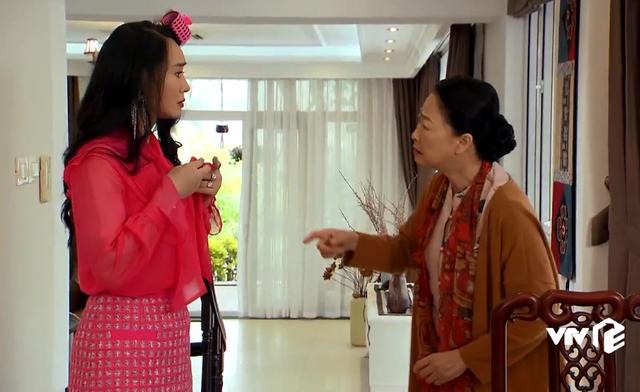 Hương vị tình thân - Tập 6: Bà Xuân bị mẹ chồng ghét ra mặt vì ăn mặc lòe loẹt - Ảnh 2.