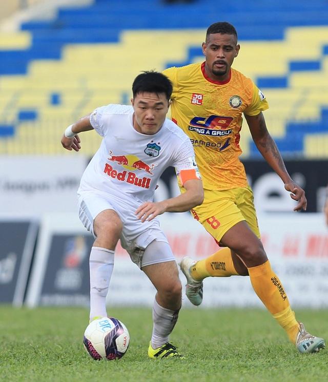 Chùm ảnh: Công Phượng ghi bàn, Hoàng Anh Gia Lai giành 3 điểm trước Đông Á Thanh Hóa - Ảnh 5.