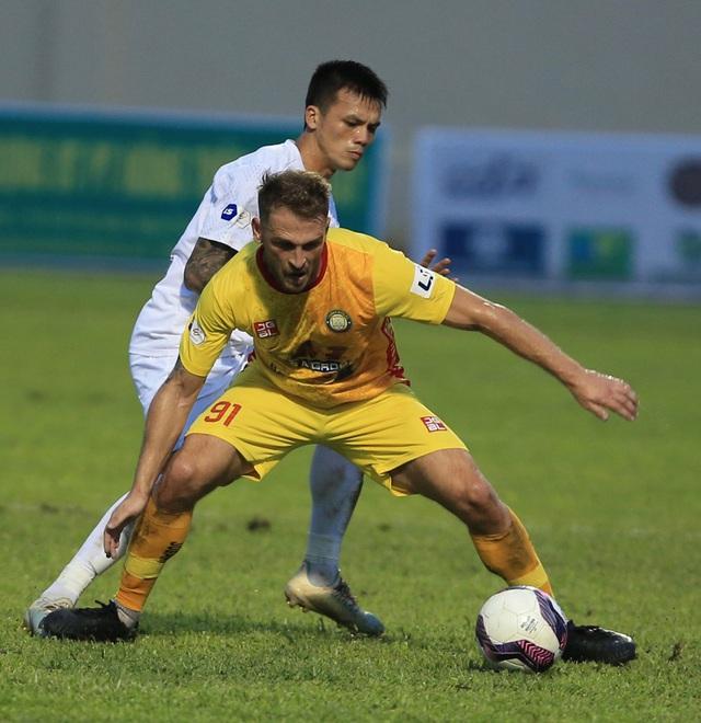 Chùm ảnh: Công Phượng ghi bàn, Hoàng Anh Gia Lai giành 3 điểm trước Đông Á Thanh Hóa - Ảnh 6.