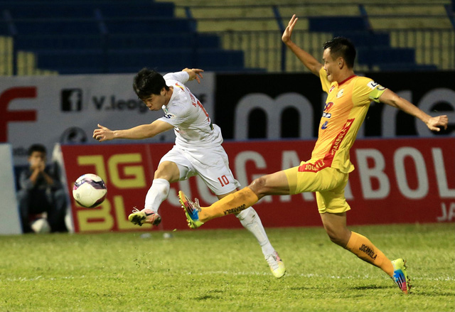 Chùm ảnh: Công Phượng ghi bàn, Hoàng Anh Gia Lai giành 3 điểm trước Đông Á Thanh Hóa - Ảnh 8.