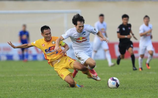 Chùm ảnh: Công Phượng ghi bàn, Hoàng Anh Gia Lai giành 3 điểm trước Đông Á Thanh Hóa - Ảnh 9.