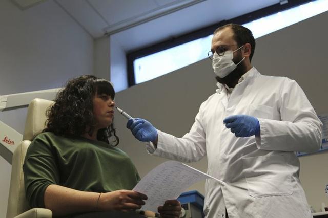 Hơn 131 triệu người nhiễm COVID-19 trên thế giới, Hàn Quốc trước nguy cơ bùng phát dịch lần 4 - Ảnh 1.