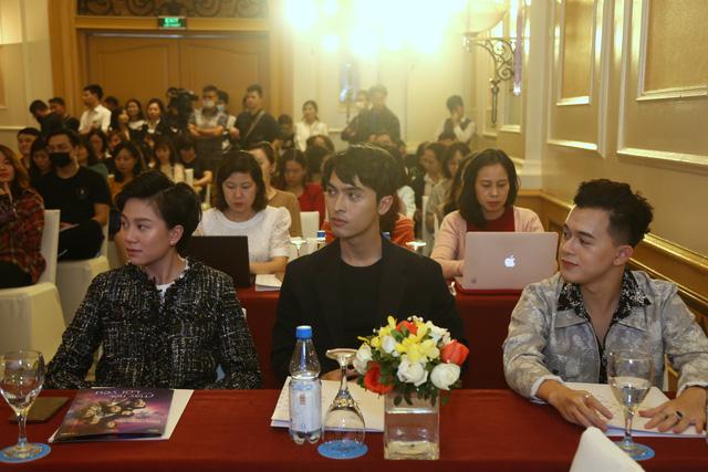 Quỳnh Kool diện váy xẻ sâu trong họp báo phim mới Hãy nói lời yêu - Ảnh 13.