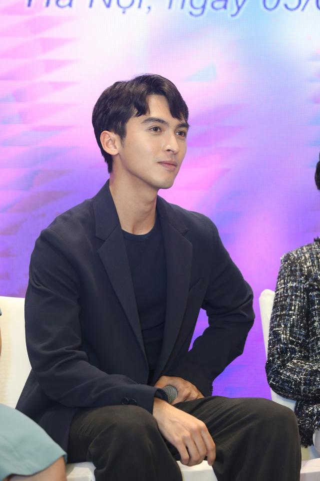 Quỳnh Kool diện váy xẻ sâu trong họp báo phim mới Hãy nói lời yêu - Ảnh 9.