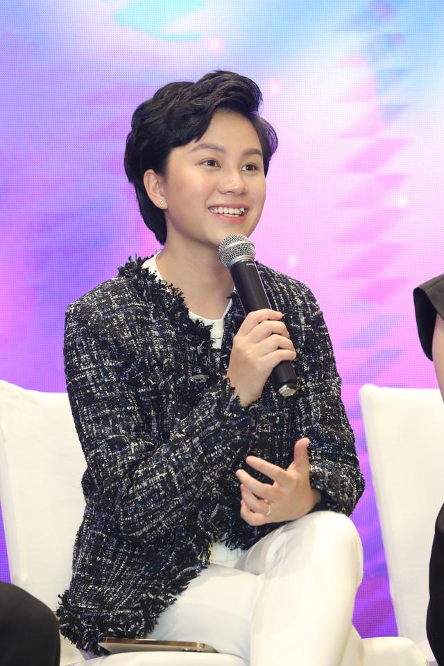 Quỳnh Kool diện váy xẻ sâu trong họp báo phim mới Hãy nói lời yêu - Ảnh 16.
