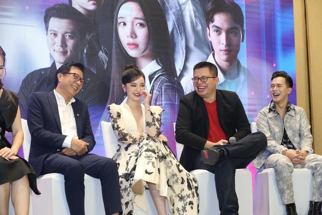 Quỳnh Kool diện váy xẻ sâu trong họp báo phim mới Hãy nói lời yêu - Ảnh 18.